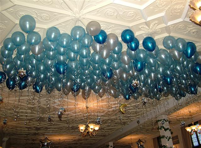 Balloon Ceiling with Light Blue Balloons