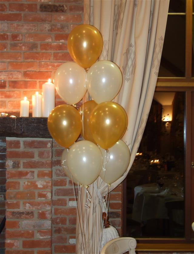 Gold and Cream Table Decorations
